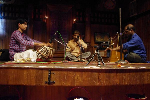 Tabla Voice & Harmonium - live 3rdMarch'11